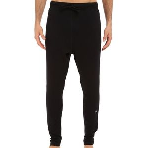 $98 Mens Alo Yoga Relaxed Sweatpant in Black